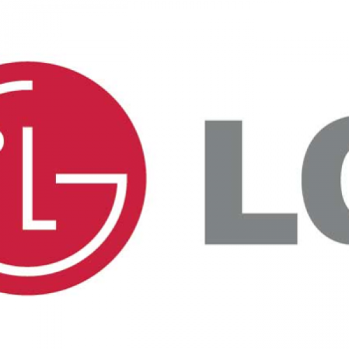 A smartphone with a 3.2″ display – the LG L35