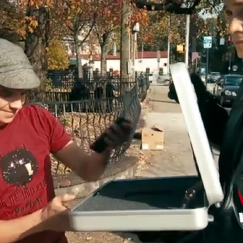 Verizon surprises existing Razr owners with new Droid Razr [VIDEO]