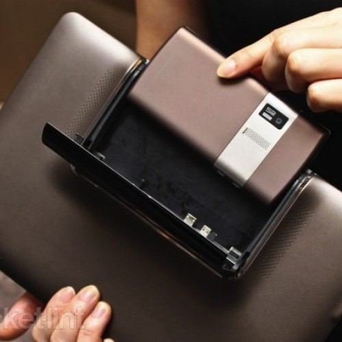 Asus unveils the Padfone, our hearts stop for a few minutes