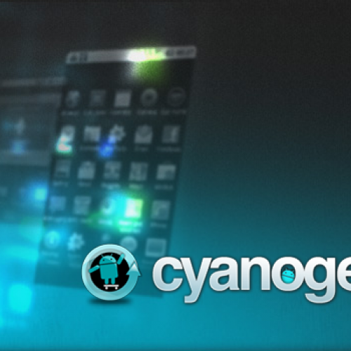 A quick look at the first two CyanogenMod v9 themes available in the Google Play Store
