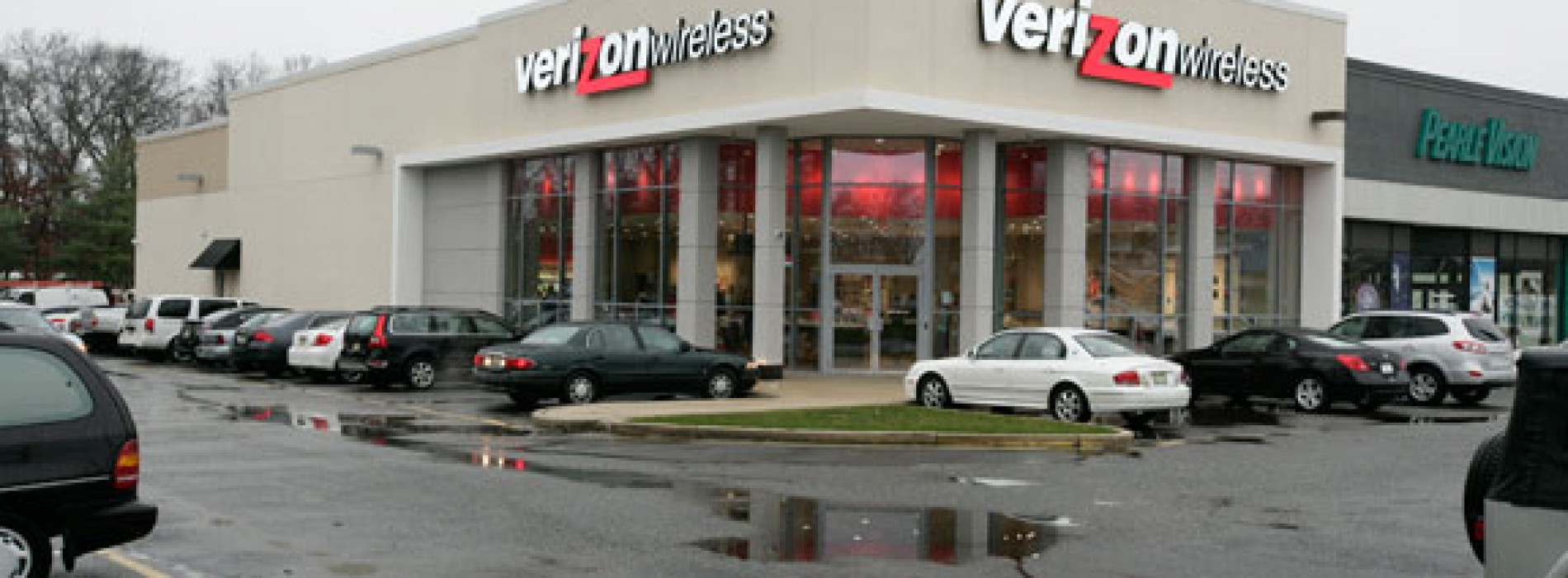 Verizon trying new retail store design; much to the likes of Apple Stores