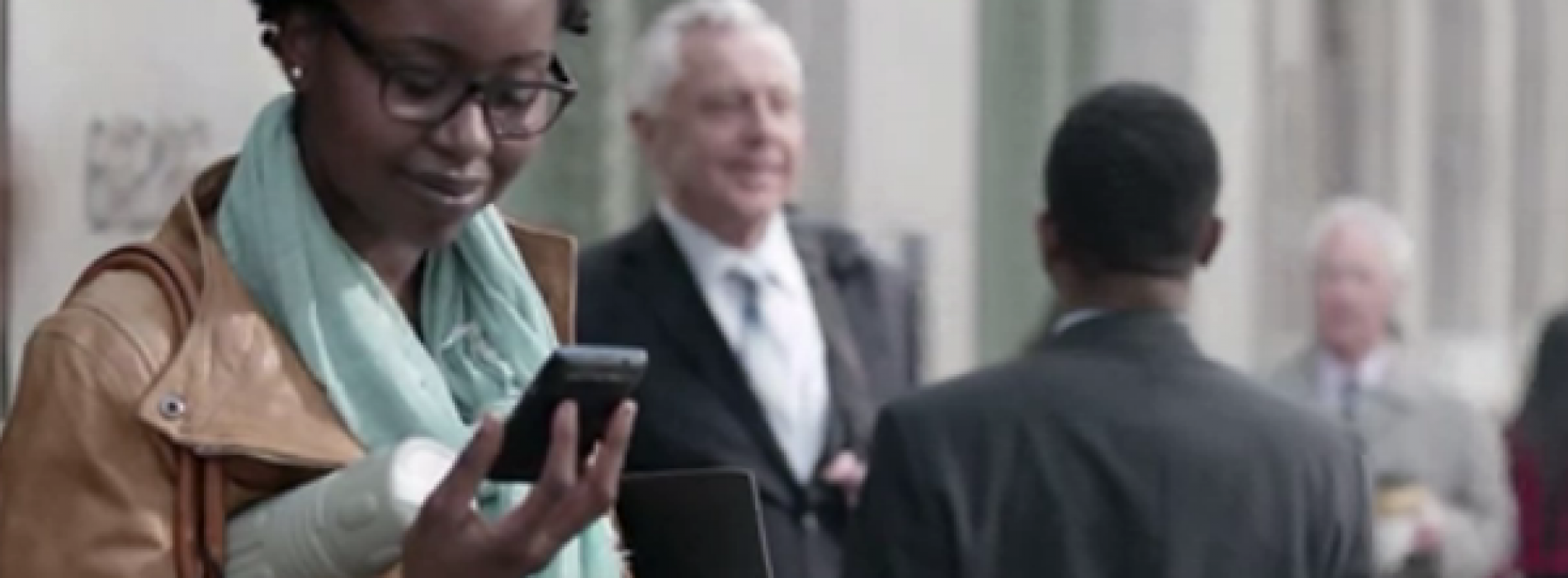 Verizon begins new, friendlier Droid Does campaign