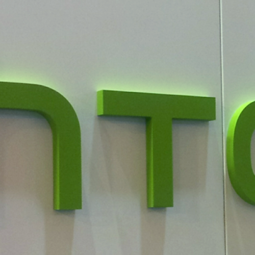 HTC not concerned with lower end of smartphone spectrum