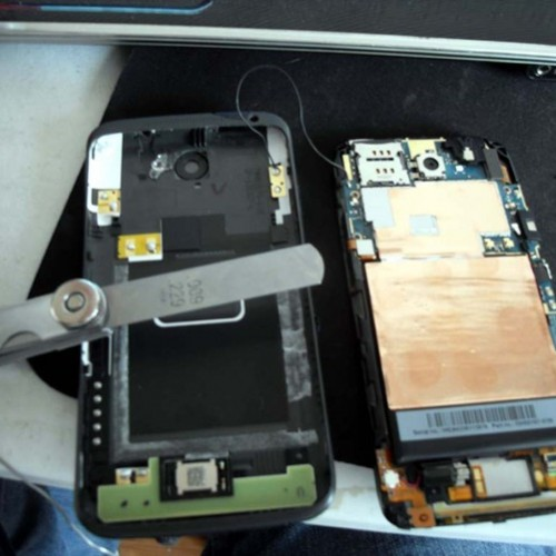 Some HTC One X phones having Wifi antenna problems, fix involves partial teardown