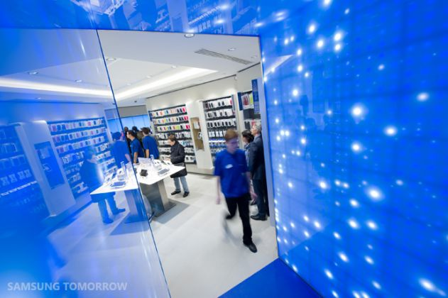 First-Samsung-Mobile-Store_5