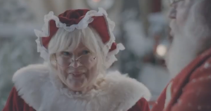 Mrs Claus Samsung 720