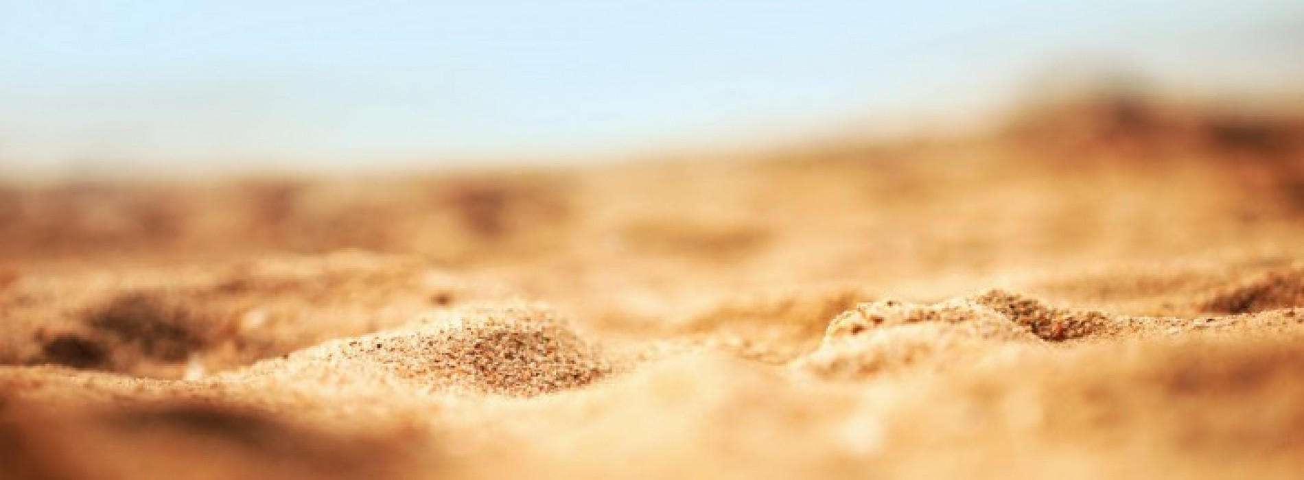 """Escape with these 26 """"beach"""" themed images [Weekend Wallpapers]"""