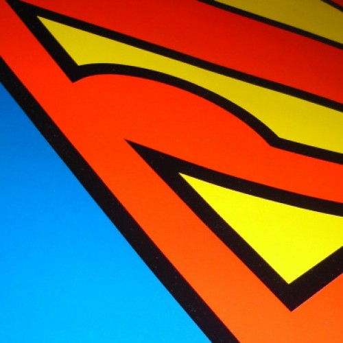 It's a bird! It's a plane! It's 40 Superman wallpapers for your Android!