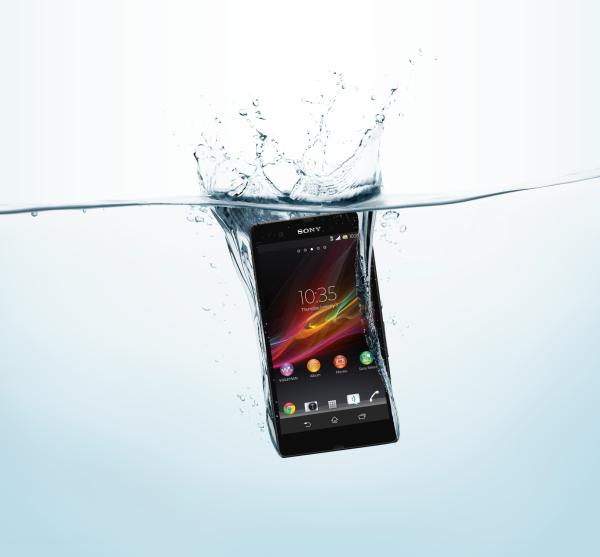 XperiaZ_black_inwater-NEW