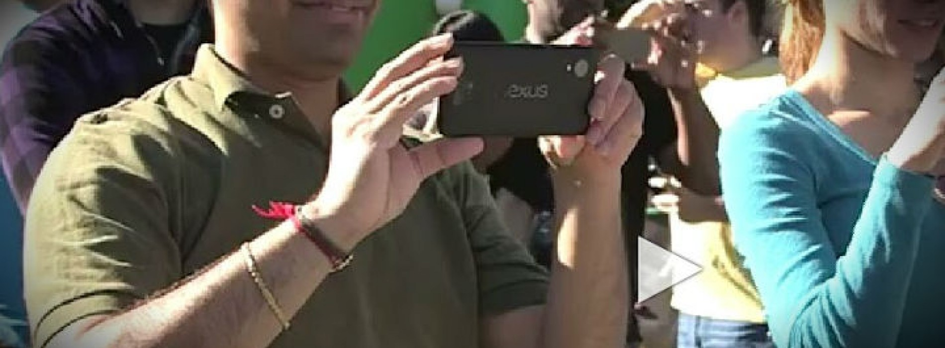 Did a new Nexus device sneak into a Google KitKat video?