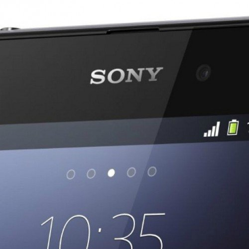 Alleged Sony Xperia Z3 sized up next to the original Samsung Galaxy Note