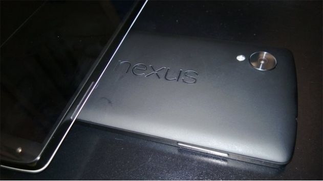 nexus5_leak_back
