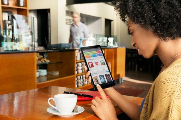 nexus_tablet_coffee_shop