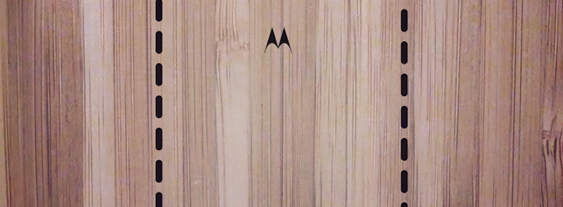Motorola again teasing the wooden backs for Moto X