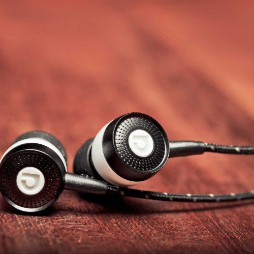 Win a free pair of Audiofly™ AF45 headphones! [Valentine's Giveaway]