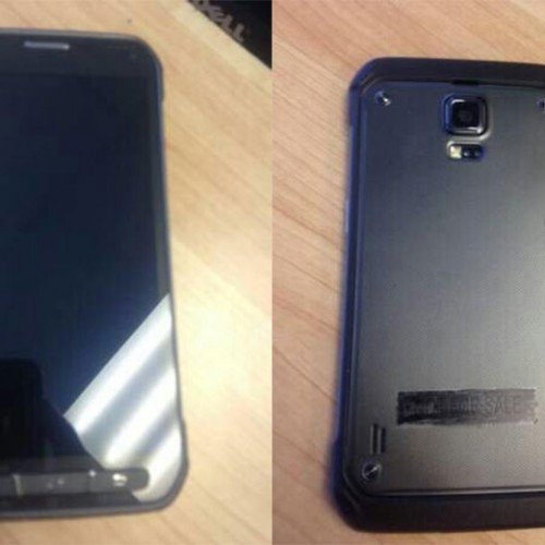Samsung Galaxy S5 Active posing on pictures and videos
