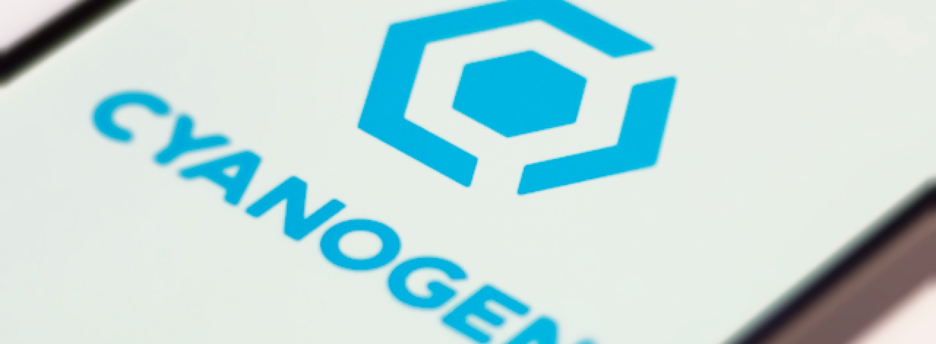 CyanogenMod 11.0 M8 begins rolling out to select devices