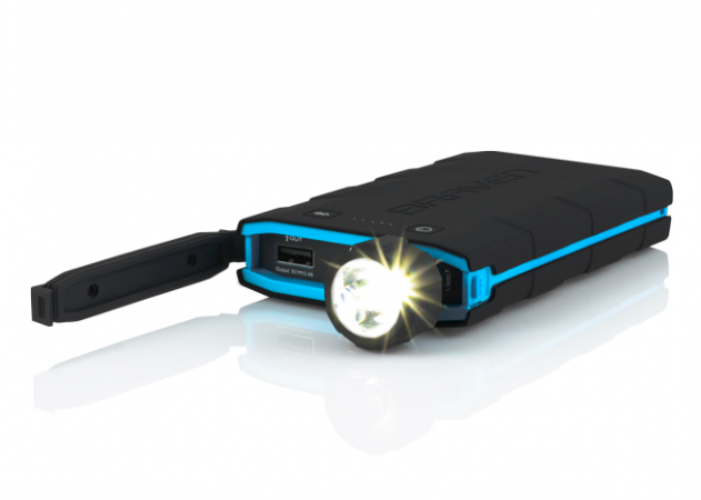 incipio-braven-bank-6000-mah-black-cyan-flashlight_1_1