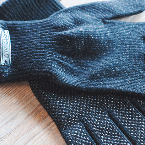 Touchscreen Gloves + Bluetooth Beanie: Prepare yourself. Winter is coming. 61% off [Deal of the Day]