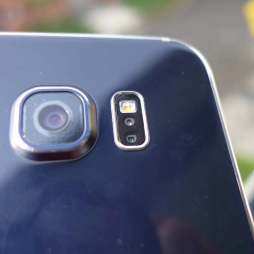 Do the photos look blurry on your Galaxy S6? Here's the fix