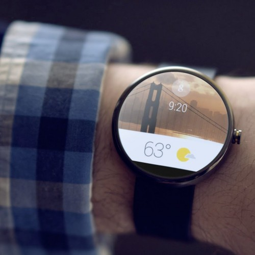 Google cuts prices on the Moto 360 and LG G Watch R