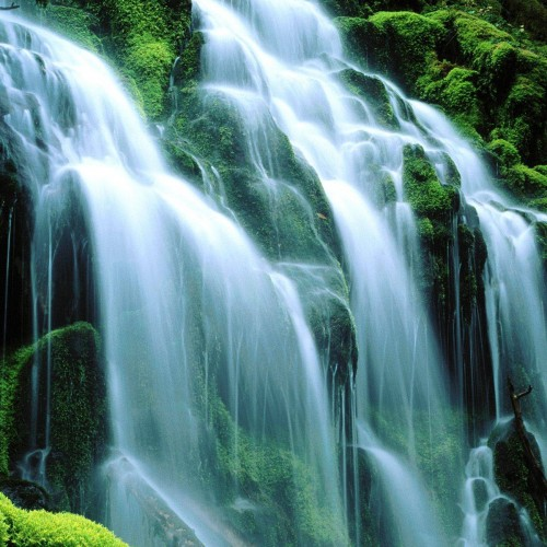 Waterfall wallpapers to soothe your mood