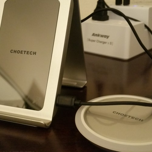 CHOETECH Iron Stand wireless charger 3-coil charging pad (Review)