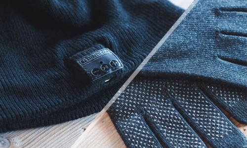 [Deal] Get the Bluetooth Beanie and Touchscreen Gloves for only $35