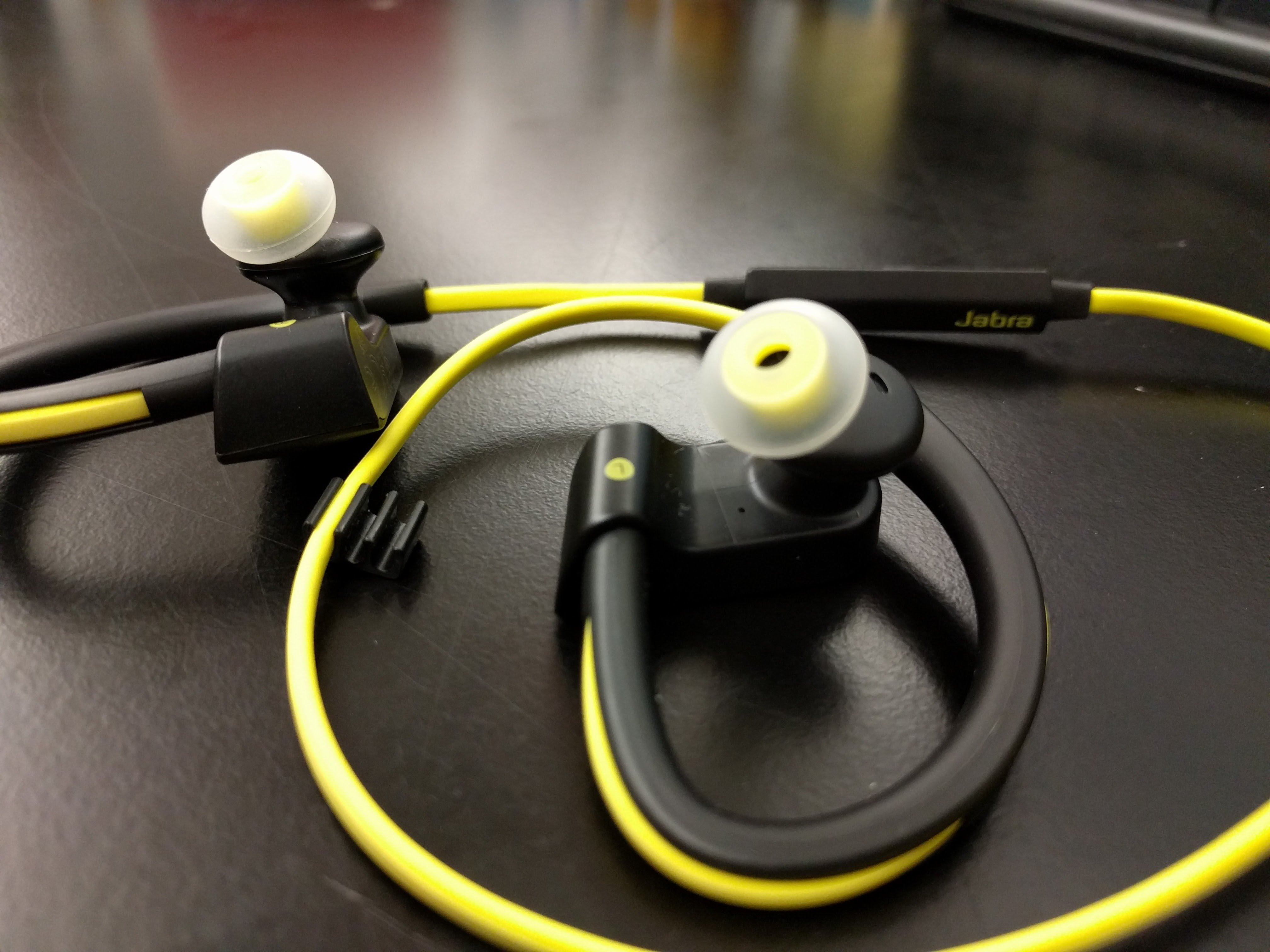 Jabra Sport Pace Wireless Earbuds Review Blue Img 20151103 163301