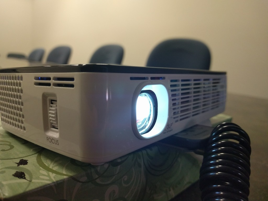 Aaxa technologies p700 hd led micro projector review for Hd pico projector