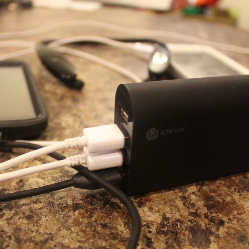 Quickly charge all your devices with the iClever 4-port USB Rapid Desktop Charger (review)
