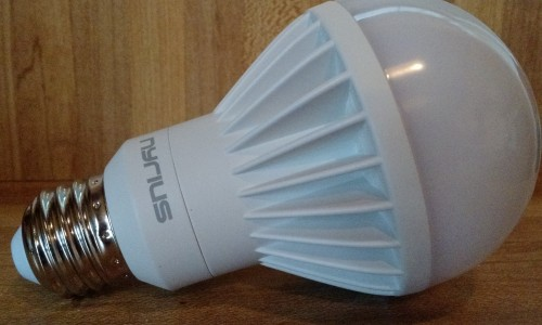 Nyrius Smart Bulb review: The best value for a smart bulb