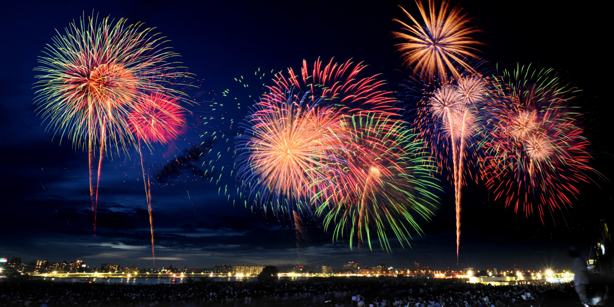 31 hd wallpapers of fireworks to celebrate the new year