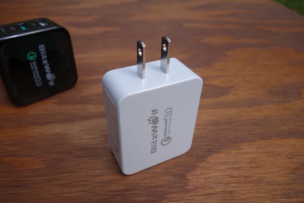 BlitzWolf_charger_2