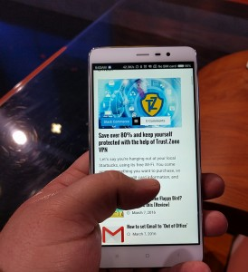 Xiaomi Redmi Note 3 hold 2