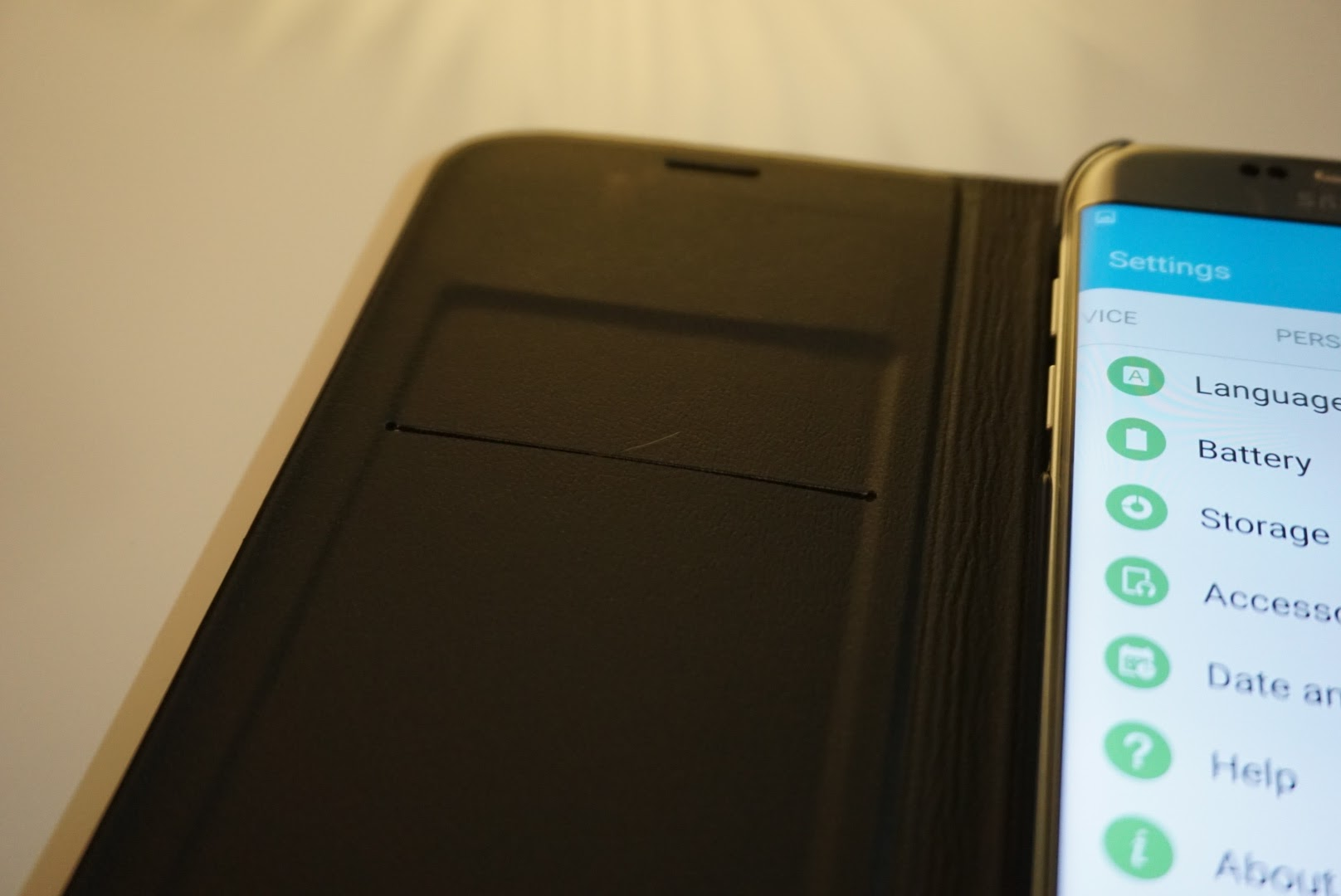 quality design ab646 7db27 Samsung's Galaxy S7 edge LED flip cover for the S7 edge is downright ...