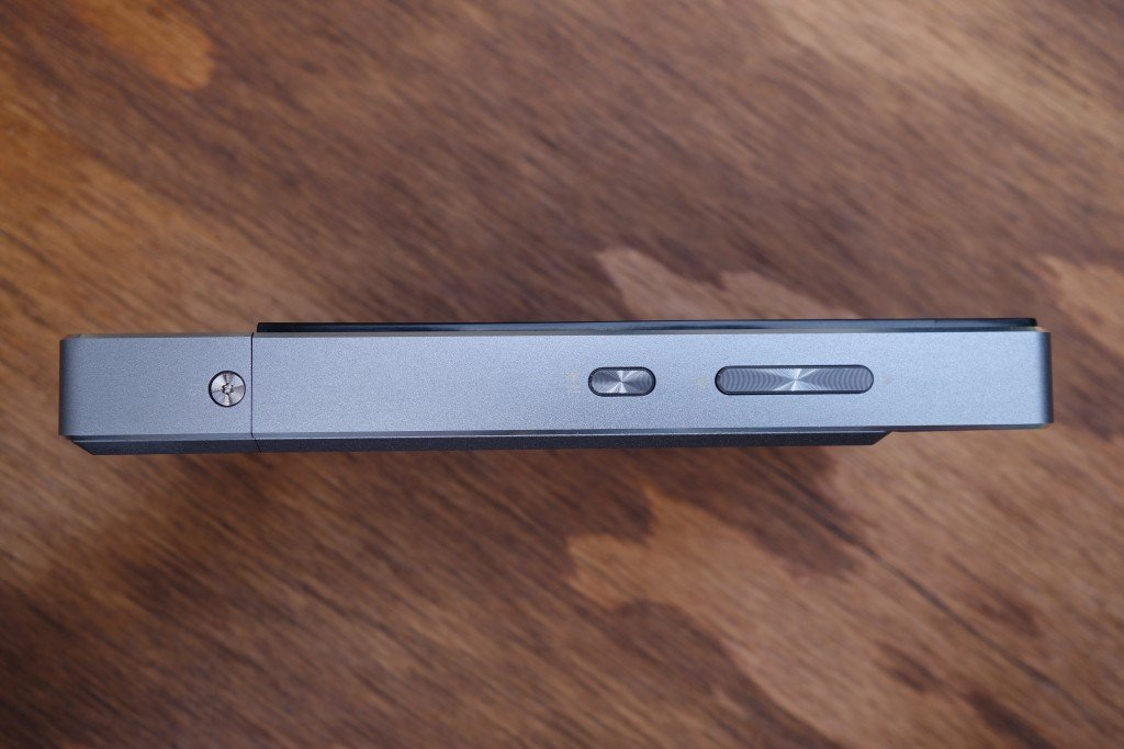 The X7 is 16.6mm thick