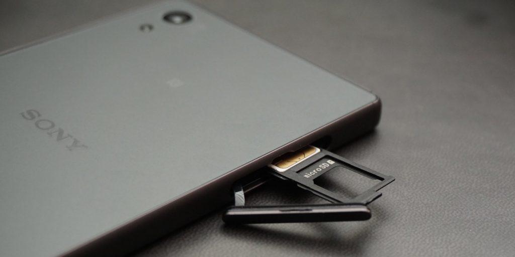 Sony Xperia Z5 SIM card slot