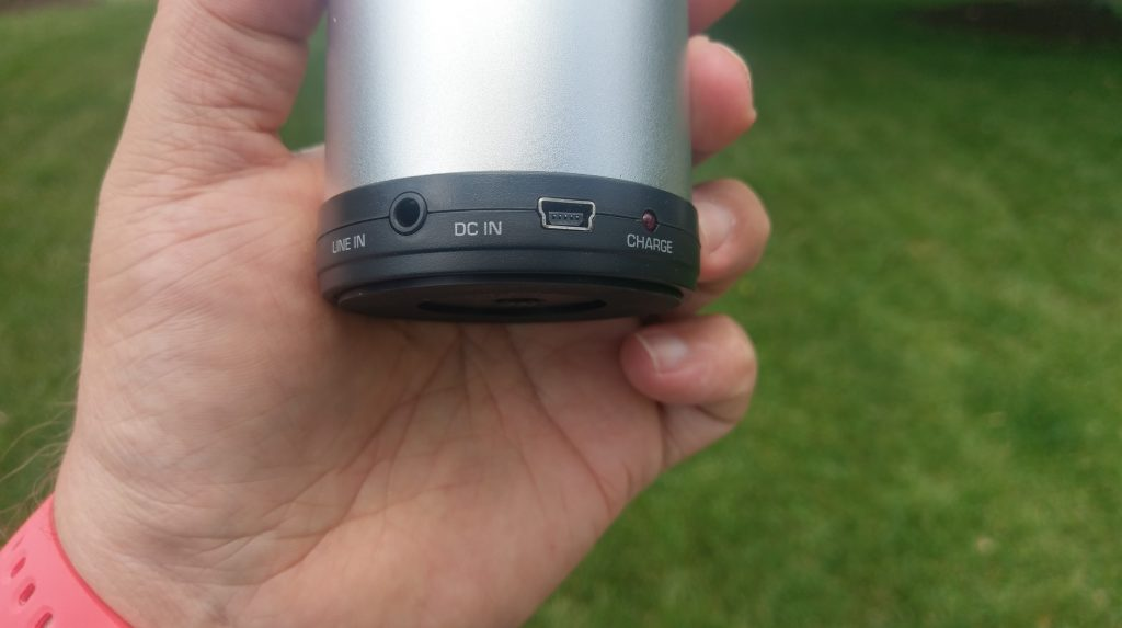 808 CANZ review: Portable Bluetooth cylinder that packs a modest punch