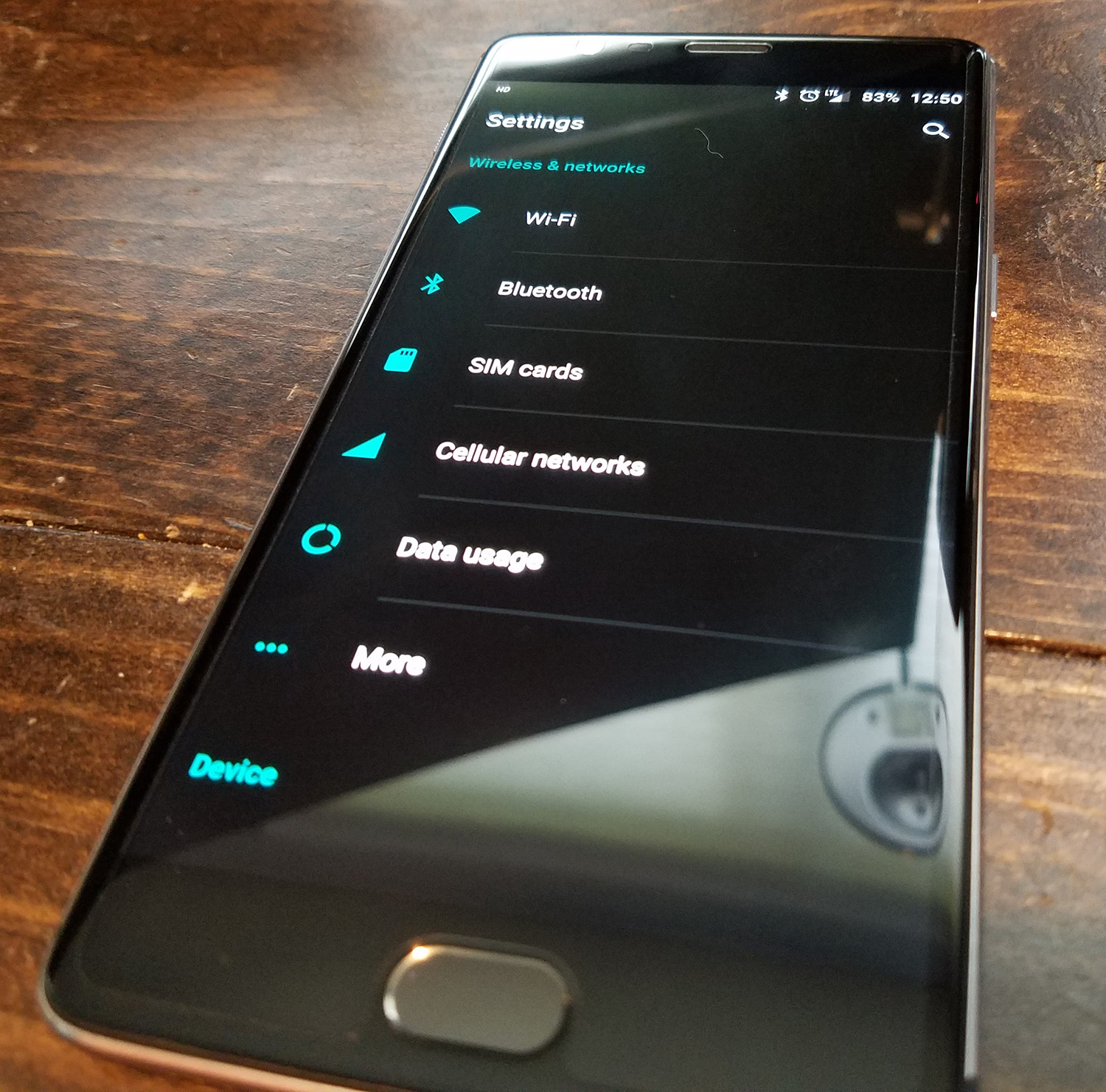 OnePlus 3 dark theme
