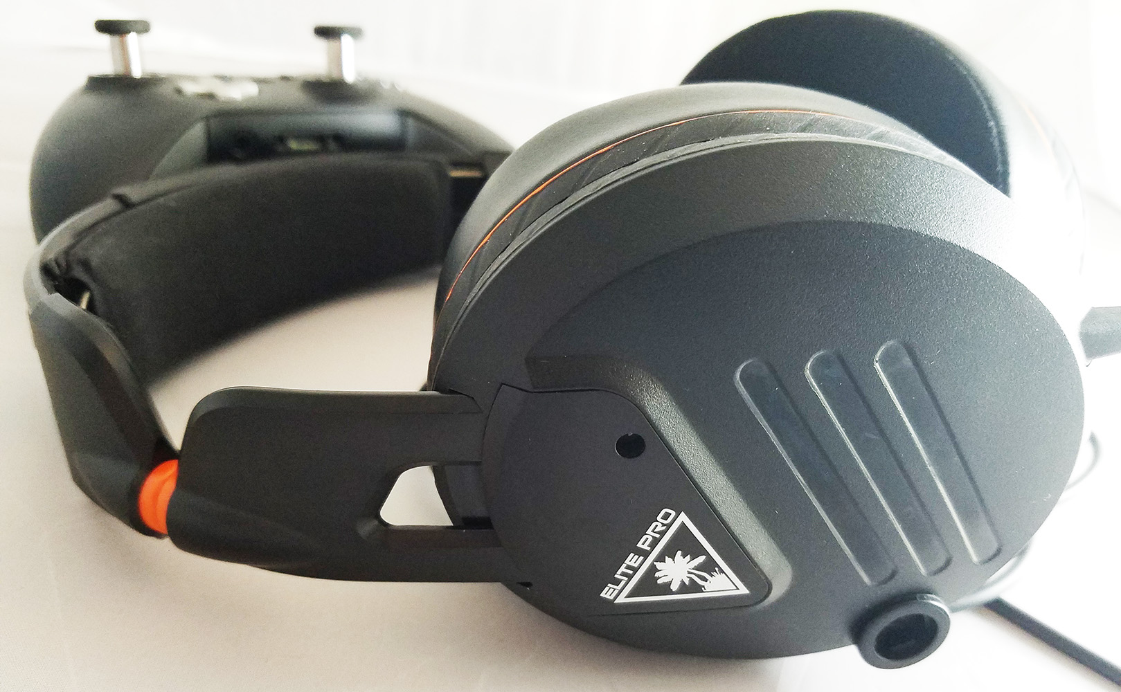 Turtle Beach Elite Pro outside