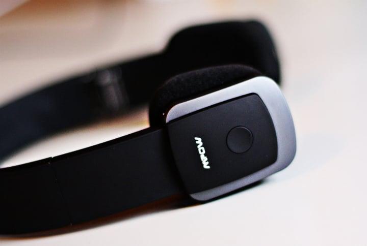 mpow headphones2