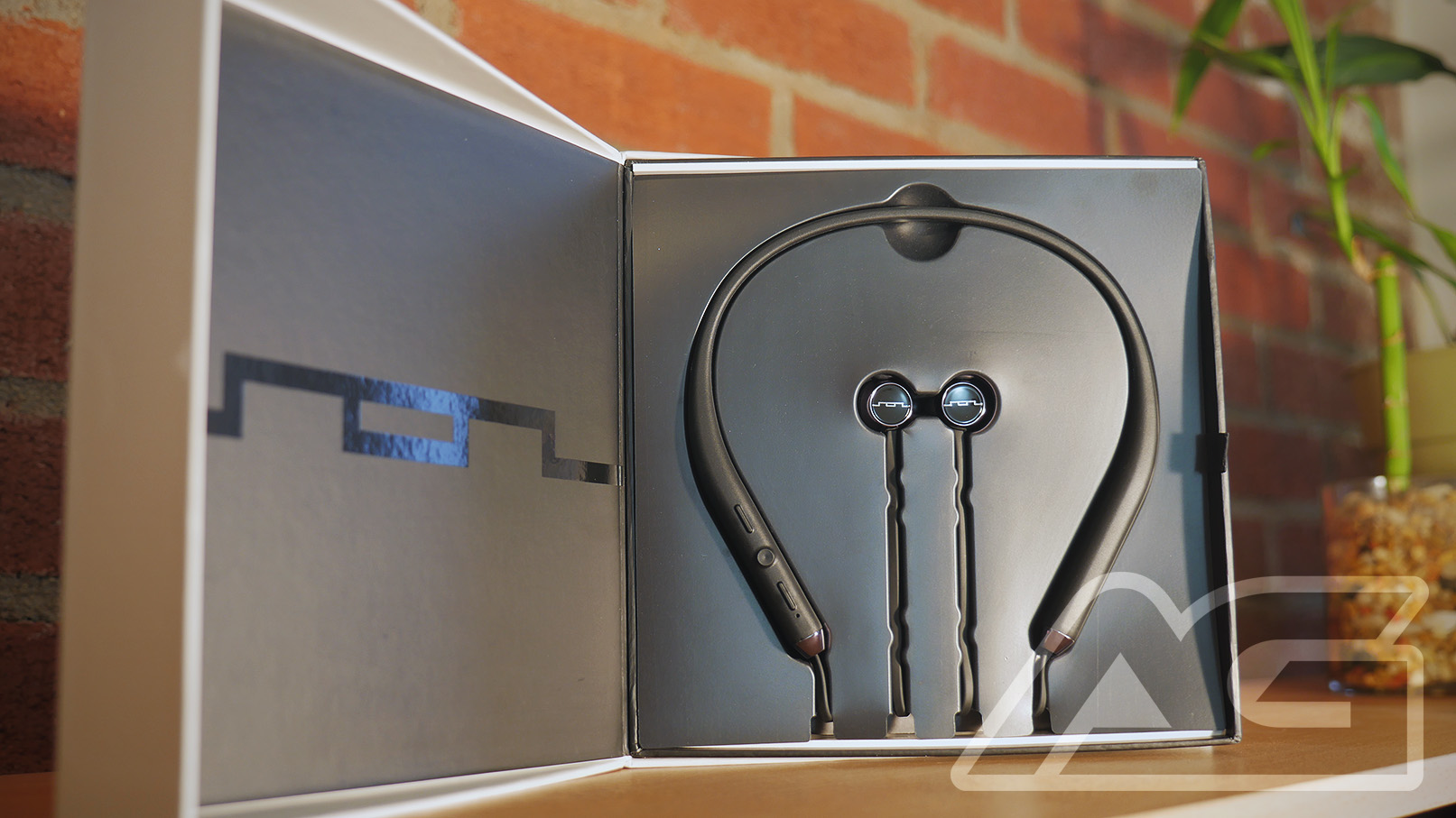 0dd3cf543c8 [dropcaps]W[/dropcaps]hile the Plantronics BackBeat GO 2 function as my  daily driver headset, I was pumped to get my hands on the Shadow Wireless  earphones ...