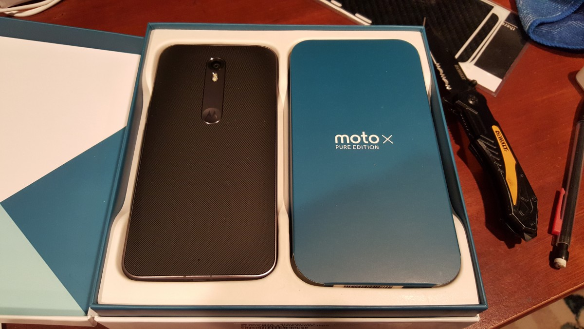 Moto X Pure Edition unboxed