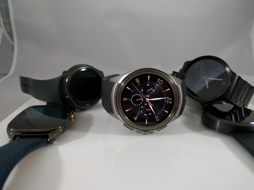 From left to right: 1. Asus Zenwatch 2 2. Samsung Galaxy Gear 2 3. LG Urbane 2nd Edition 4. Huawei Watch 5. Moto 360