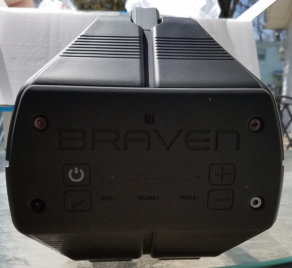 Braven BRV-XXL buttons