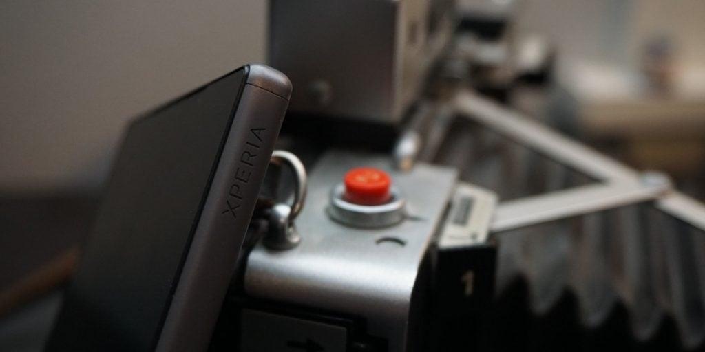 Sony Xperia Z5 xperia logo