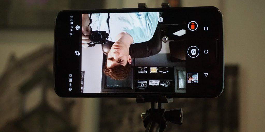 Blitzwolf Selfie Stick front camera