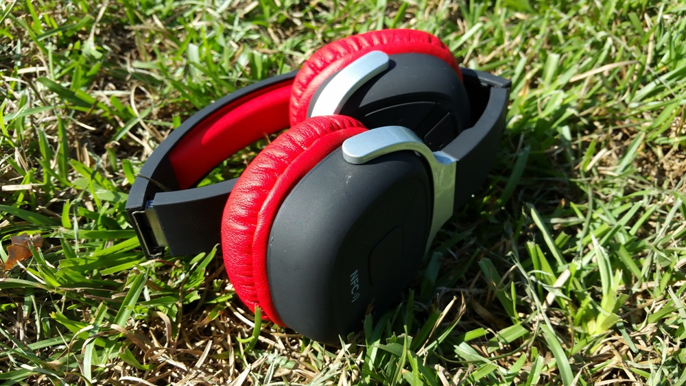 Higoingheadphones2
