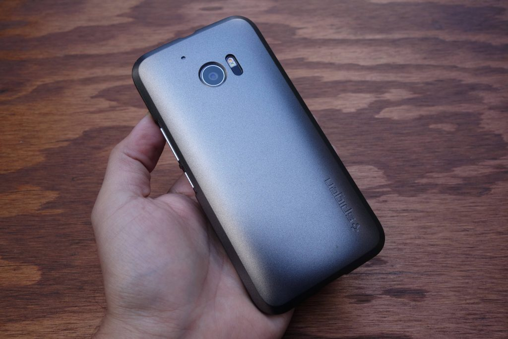 Spigen_HTC_10_thin_fit_gunmetal_3
